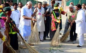 SwachhBharath_Modi