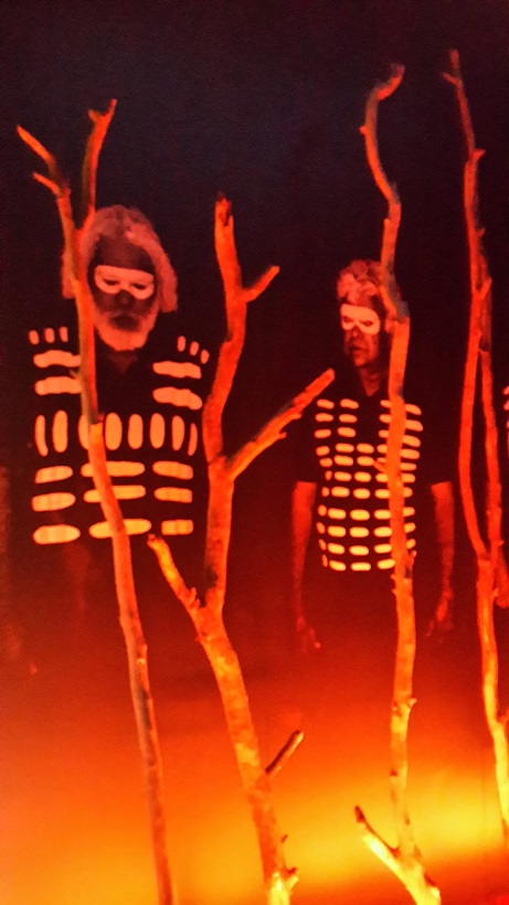 Australia-aborigines-costume