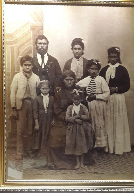 Australia-family-aborigines